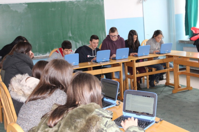 Датотека:Editing Wikipedia workshop in Visegrad 09-1024x683.jpg